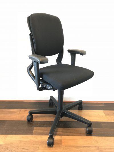 Ahrend 230 Bureaustoel Zwart.Ahrend 230 Bureaustoel Nieuw Zwart Gestoffeerd